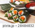手巻き寿司 海苔巻き 寿司の写真 28484832