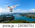 ドローン 空撮 飛行のイラスト 28580701
