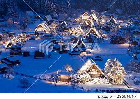 岐阜_白川郷雪のライトアップ 28596967