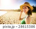ビーチ 浜辺 女の写真 28615386