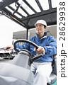 運送業 フォークリフト 男性の写真 28629938