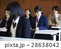 受験会場 試験を受ける学生たち 28638042