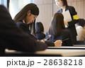 受験会場 試験を受ける学生たち 28638218