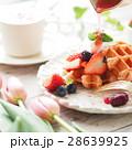 ワッフル デザート いちごワッフルの写真 28639925