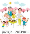 バーベキューを楽しむ家族 28649896