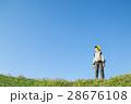 小学生 男の子 青空の写真 28676108