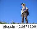 小学生 男の子 青空の写真 28676109