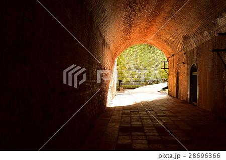 猿島の愛のトンネル 28696366