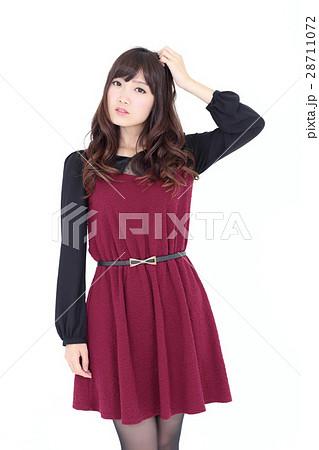 若い女性 ファッション ポートレート 28711072