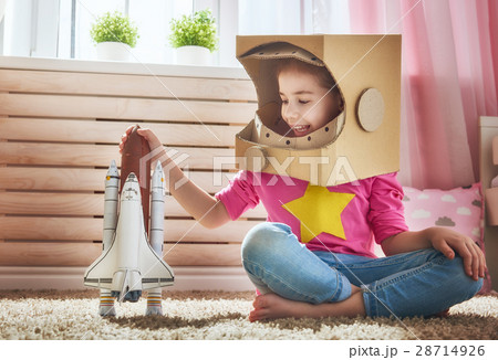 girl in an astronaut costume 28714926