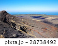 伊豆大島 割れ目噴火口 噴火口の写真 28738492