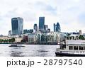 テムズ川とシティ・オブ・ロンドンのビル群 28797540