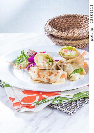 salad roll 28831111