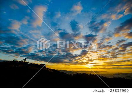 鬼ノ城 -日本の古代山城- 鬼城山からの日の出 28837990