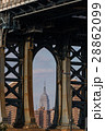高層ビル ブルックリン 橋の写真 28862099