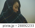 霧 寒い 女性の写真 28892233