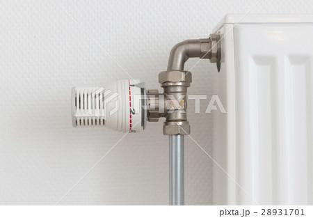 Temperature knob of radiator, used and dustyの写真素材 [28931701] - PIXTA