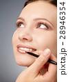化粧 化粧品 女性の写真 28946354