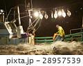深夜に働く漁師たち 28957539