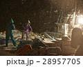 深夜に働く漁師たち 28957705