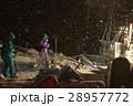深夜に働く漁師たち 28957772