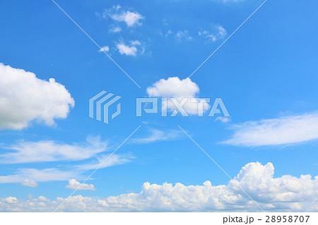 青空と白い雲 28958707
