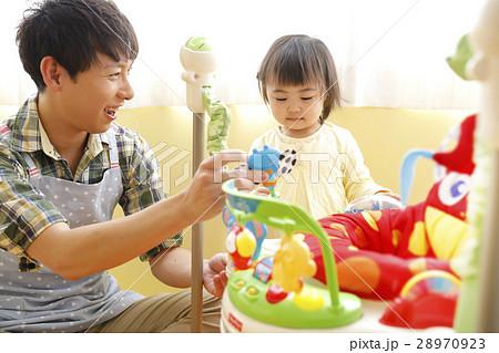 男性保育士 託児所  28970923