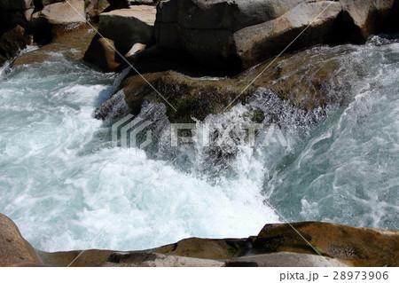 渓流の波 28973906