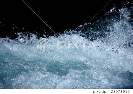 渓流の波 28973910