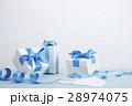 プレゼント リボン ギフトの写真 28974075