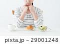 若い女性(朝食) 29001248