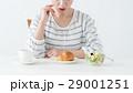 若い女性(朝食) 29001251