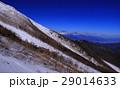 吉田口6合目から冬山の富士山 29014633