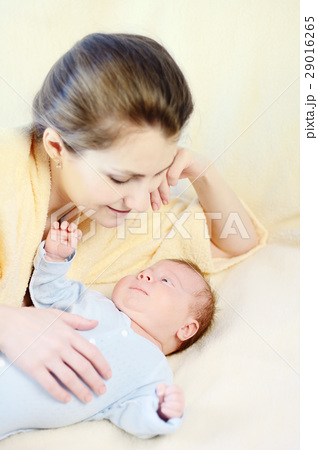 Mother and her baby 29016265