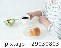 朝食 パン コーヒーの写真 29030803