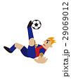 オーバーヘッドキックをするサッカー選手、フットボール 29069012