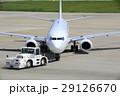 トーイングカー 航空機 空港の写真 29126670