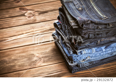 Pile of jeans 29132872