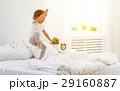 子供 ベッド ジャンプの写真 29160887