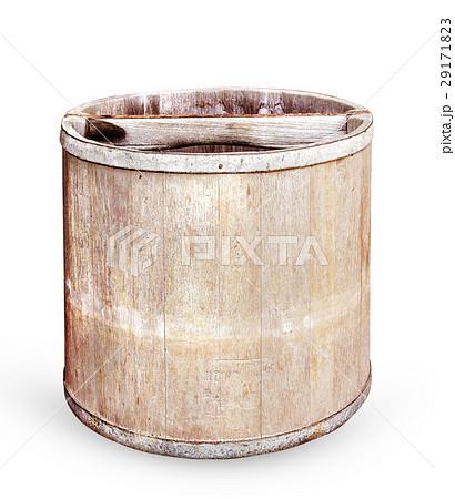 Old wooden bucket on white backgroundの写真素材 [29171823] - PIXTA
