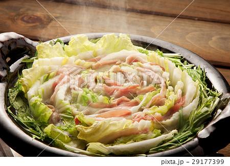 豚肉と白菜のミルフィーユ鍋  29177399