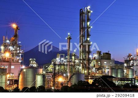 富士山と工場夜景 29209418