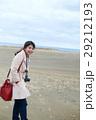 鳥取砂丘 旅を楽しむ女性 29212193
