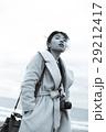 鳥取砂丘 旅を楽しむ女性 29212417