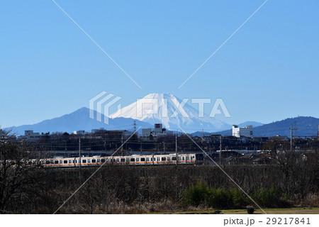 立川多摩川緑地より中央線と富士山 29217841