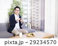 ビジネスマン オフィスカジュアル スマートフォンの写真 29234570