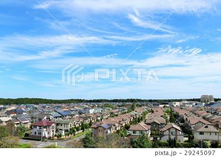 青空の新築住宅の風景 29245097