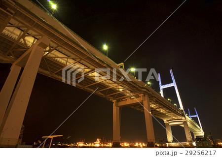 夜の横浜ベイブリッジ 29256217