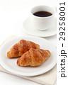 クロワッサンとコーヒー  29258001