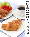 クロワッサンとコーヒーとウインナー 29258078